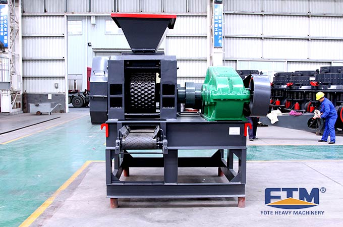 Strong pressure briquette machine